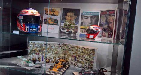 Libro Ayrton per sempre nel cuore Museo McLaren Londra