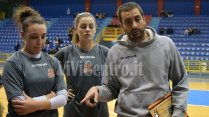 coach nicola ottaviano ariano irpino givova ladies free basketball (12)