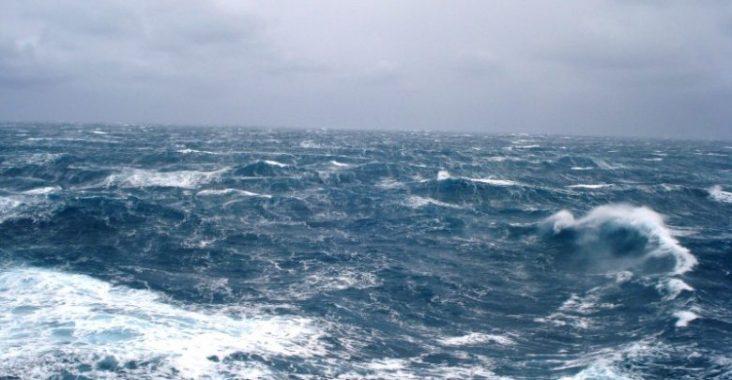 Vento Forte, sospesi i collegamenti con le isole del Golfo: rinviate alcune gare
