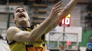 Gabriele Romeo in azione di gioco a Siena givova scafati