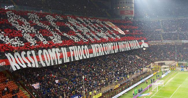 Ultras Fossa dei Leoni 800px-Inter-Milan_february_2013_choreography,_Milan