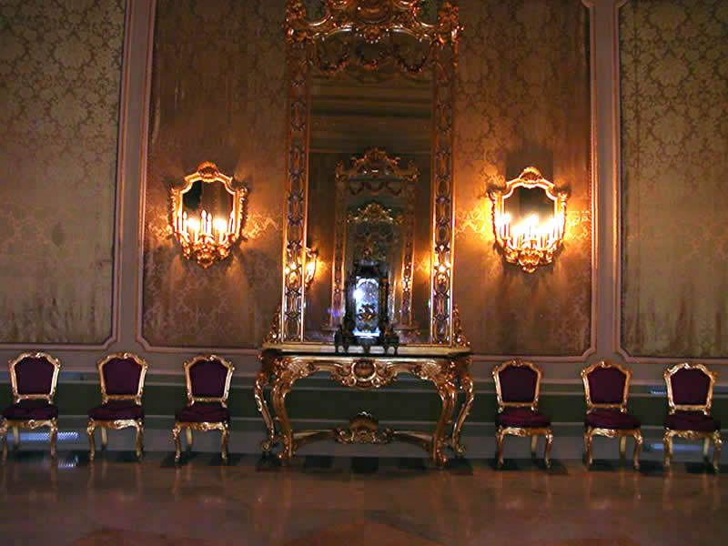 sala degli specchi Noto