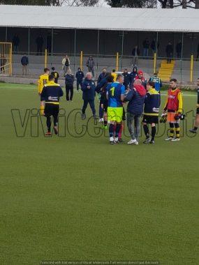 PROMOZIONE-NEAPOLIS-ISCHIA 1-1: I gialloblu subiscono la beffa nel finale di gara e dicono quasi addio al sogno play-off,è crisi di gioco e risultati