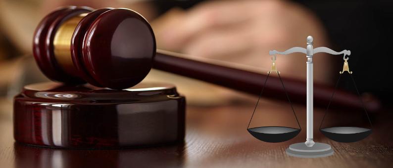 Giustizia, martello giudice e bilancia