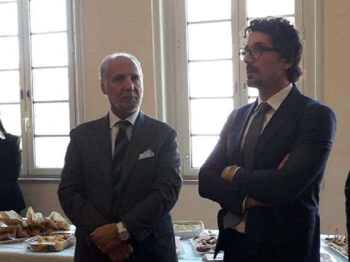 Il ministro Toninelli nel Messinese (VIDEO).La sua visita infiamma gli animi all'ARS