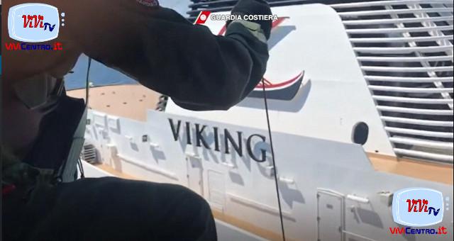 Soccorso medico a due passeggeri nave da Crociera Viking