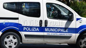 Autovettura polizia municipale di Castellammare di Stabia