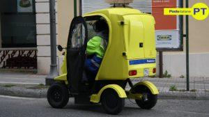Poste Italiane Postino con Ducati Free Duck (foto free CC)