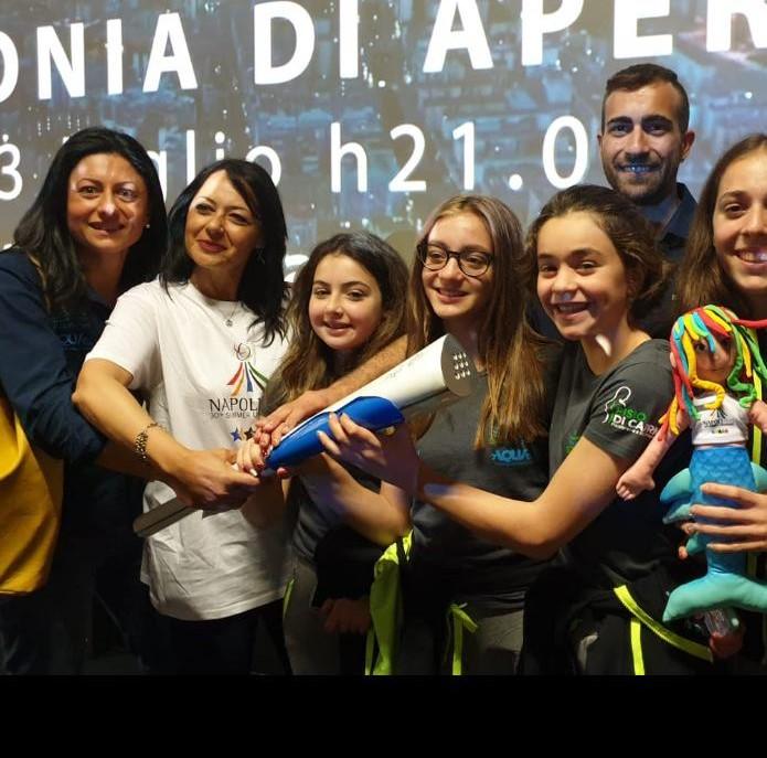 assessore regionale Sonia Palmeri Torcia dell'Universiade 2019 caserta