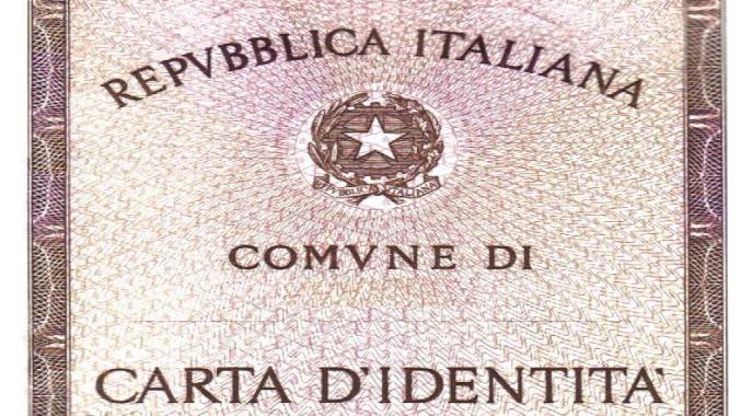carta d'identità foto free wikipedia
