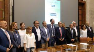 Parisi, presidente Anpal, ed i rappresentanti delle regioni il giorno della firma