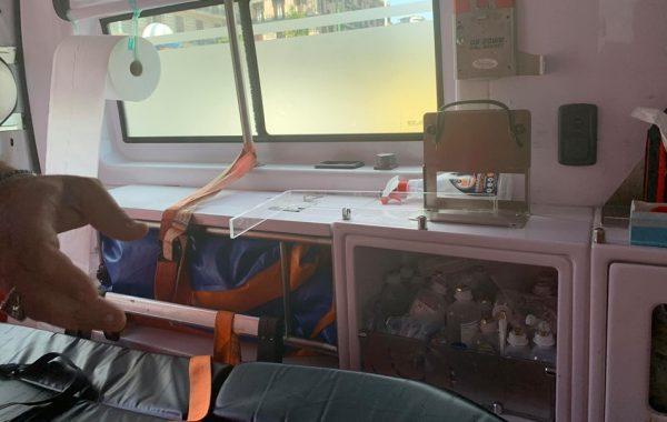 foto free ambulanza distrutta facebook nessuno tocchi ippocrate