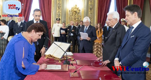 Sergio Mattarella con la sen. Teresa Bellanova, Ministro delle Politiche Agricole, Alimentari e Forestali