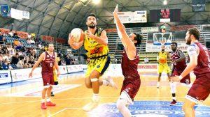 Givova Scafati, Claudio Tommasini in azione di gioco contro Trapani