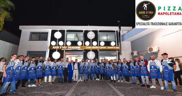Scuola di Formazione per Pizzaioli 'Mani d'Oro' Foto di Gruppo