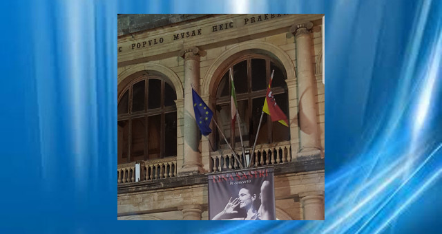 Lina Sastri al Teatro Vittorio Emanuele di Messina 161119