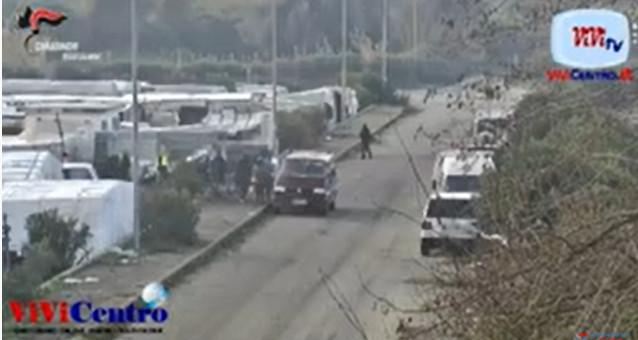 Gioia Tauro Reggio Calabria, eseguite dai Carabinieri misure cautelari nei confronti di 29 persone