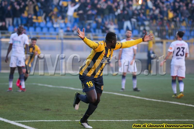 Addae Cittadella Juve Stabia Crotone Calcio Serie B Castellammare (1)