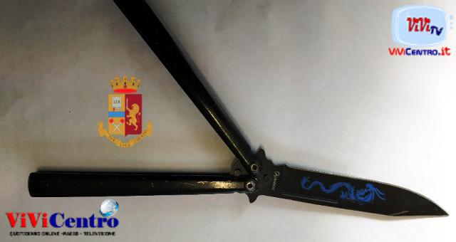 Polizia Napoli, sequestro coltello decumani