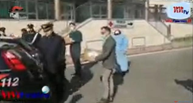 Carabinieri Brescia consegnano materiale sanitario per l'Ospedale di Chiari