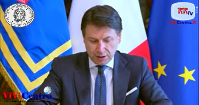 Decreto #CuraItalia Conferenza stampa del Presidente Conte con i Ministri Gualtieri e Catalfo