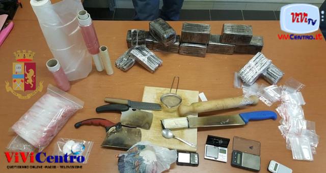 Polizia Napoli, droga Scampia, commissariato Scampia