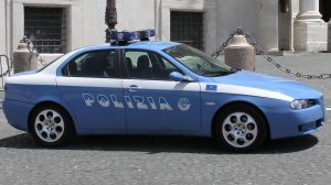 la Polizia denuncia un uomo per istigazione a delinquere
