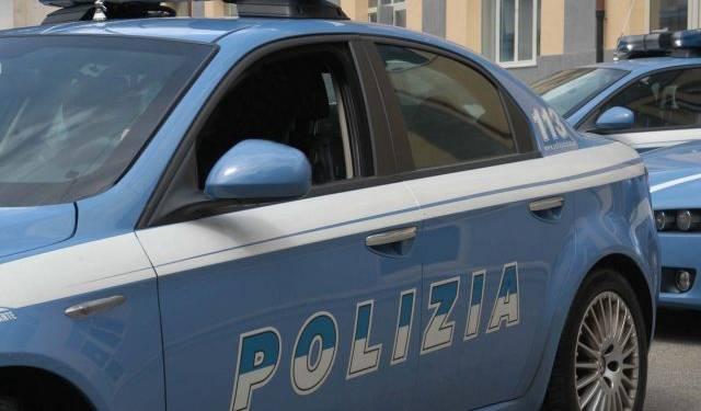 """Polizia: arrestato ladro d'auto """"armato"""" di chiave elettronica Polizia vs FakeNews, Santa Maria, Fingevano di appartenere"""