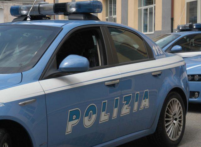 Polizia: arrestato ladro d'auto