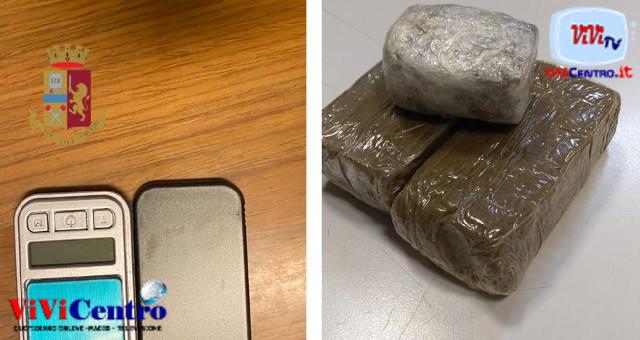 La Polizia denuncia un uomo per droga nel quartiere Pianura