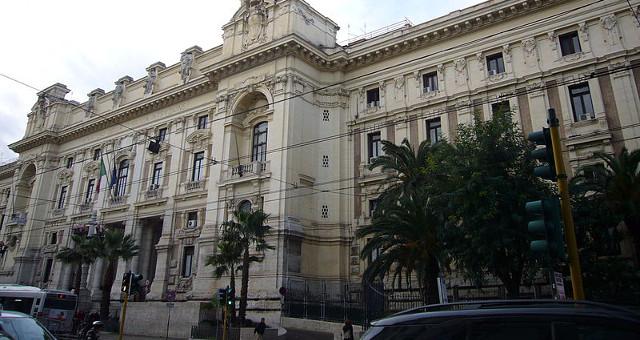 Palazzo del Ministero della Pubblica Istruzione a Trastevere, decreto legge sulla scuola