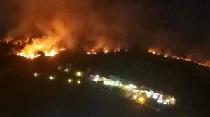 collina cigliano pozzuoli incendio foto free facebook consigliere borrelli