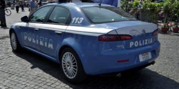 Napoli: arresti per rapina in zona centro storico e Vicaria-Mercato Maltratta la moglie ferendola al volto arrestato dalla Polizia
