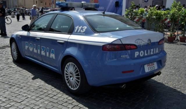 Napoli: quartieri sotto controllo, denunce e arresti tra Porto e Materdei Polizia arresta un uomo per maltrattamenti in famiglia e lesioni personali