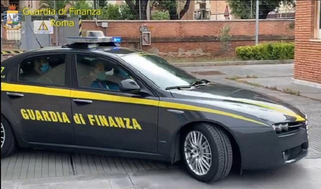 """yacht GdF Roma- Operazione """"GHOST CREDIT"""" corruzione contraffazione Fasciani Perciballi Anemone"""