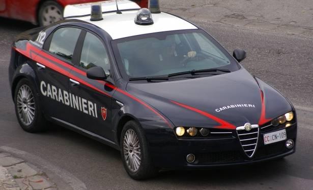 """Portici: Carabinieri sventano truffa e arrestano 18enne Torre Annunziata/Castellammare di Stabia: 3 in manette dopo 10 km di fuga in manette per """"truffa con filo di banca"""""""