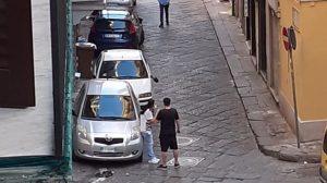 napoli auto parcheggiatori abusivi