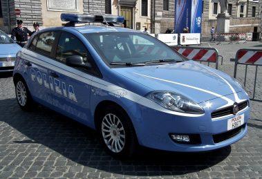 Squadra Mobile di Napoli in azione vs traffico e spaccio stupefacenti Napoli: Polizia impegnata in operazioni arresti e denunce