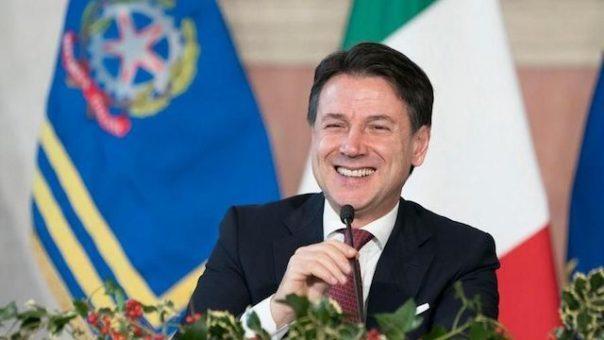 L'Europa si congratula con Conte: l'Italia è stata da esempio