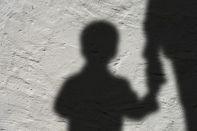 denunciato un uomo per maltrattamenti in famiglia
