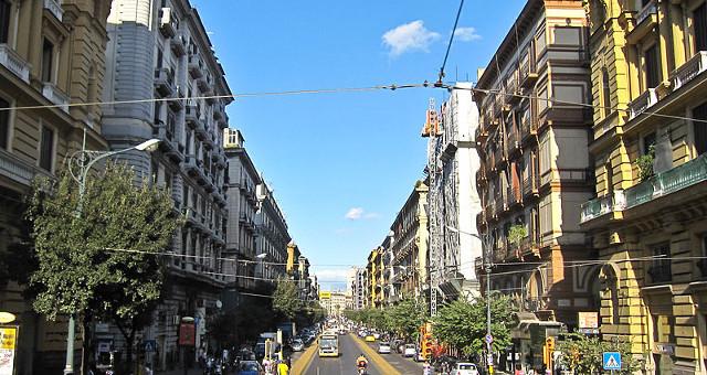 Napoli, C.so Umberto (Foto free)