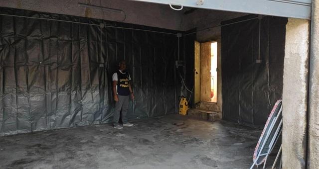 La Guardia di Finanza di Palermo ha sequestrato un autolavaggio abusivo
