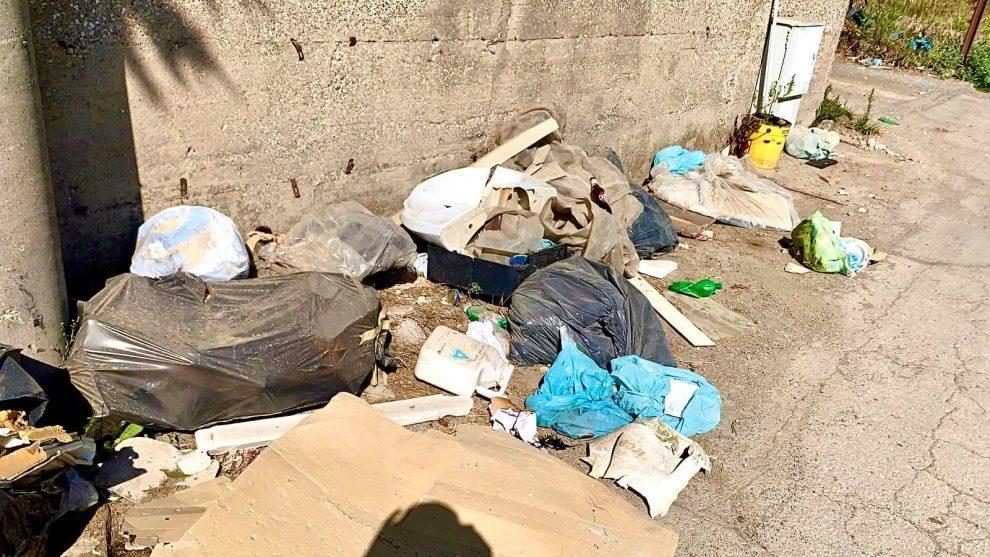 sindaco sversamento rifiuti sant'antonio abate foto free facebook