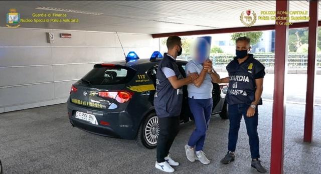 GDF arresti per corruzione in commercio ambulante