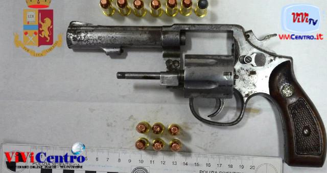 Sequestrato un revolver con munizioni nel rione 167