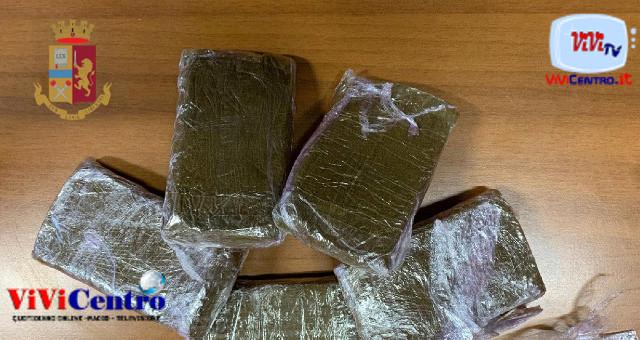 Materdei, coppia arrestata con tre panetti di droga