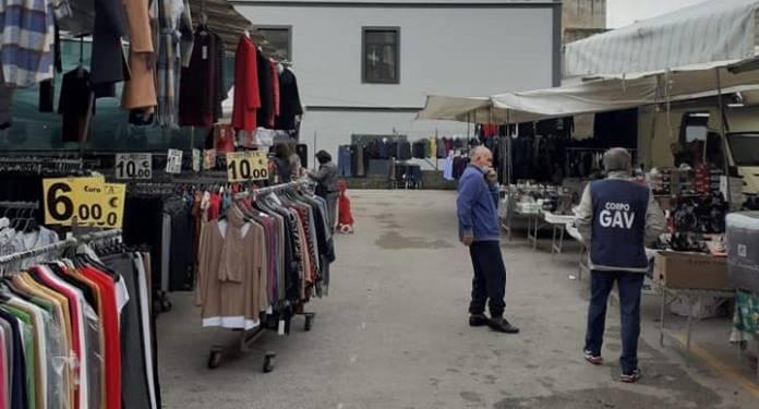volontari torre del greco mercato