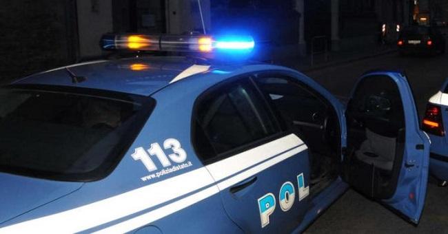 Polizia: nottata impegnativa tra esplosioni e aggressioni Rione la Loggetta, Napoli