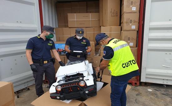 Sequestrate dalla Guardia di Finanza Palermo 15 automobiline giocattolo contraffatte