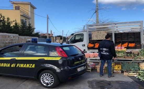 La Guardia di Finanza di Palermo li ha rilevati durante i controlli nei confronti di venditori abusivi